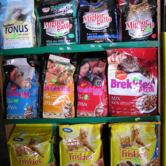 alimenti per cani e gatti