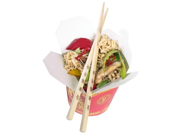 Confezione di noodles con bacchette