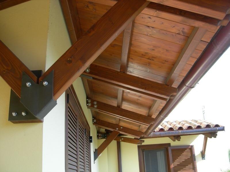 Montaggio tettoia
