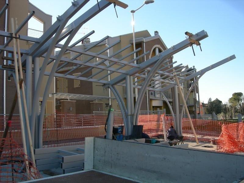 Montaggio struttura in ferro