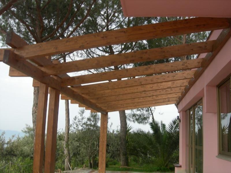 Porticato in legno lamellare