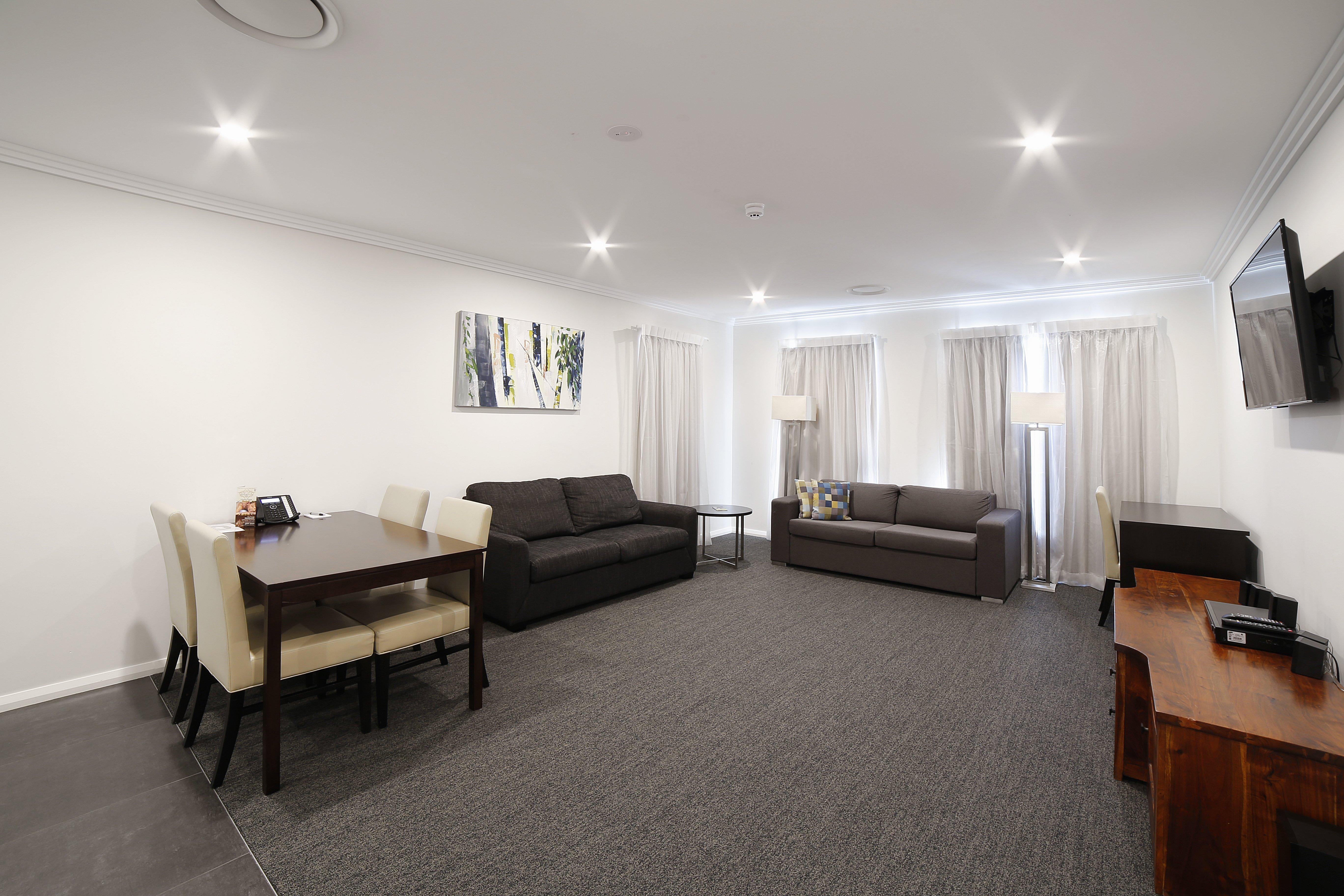 Modern Hotel Accommodation, Wagga Wagga, NSW