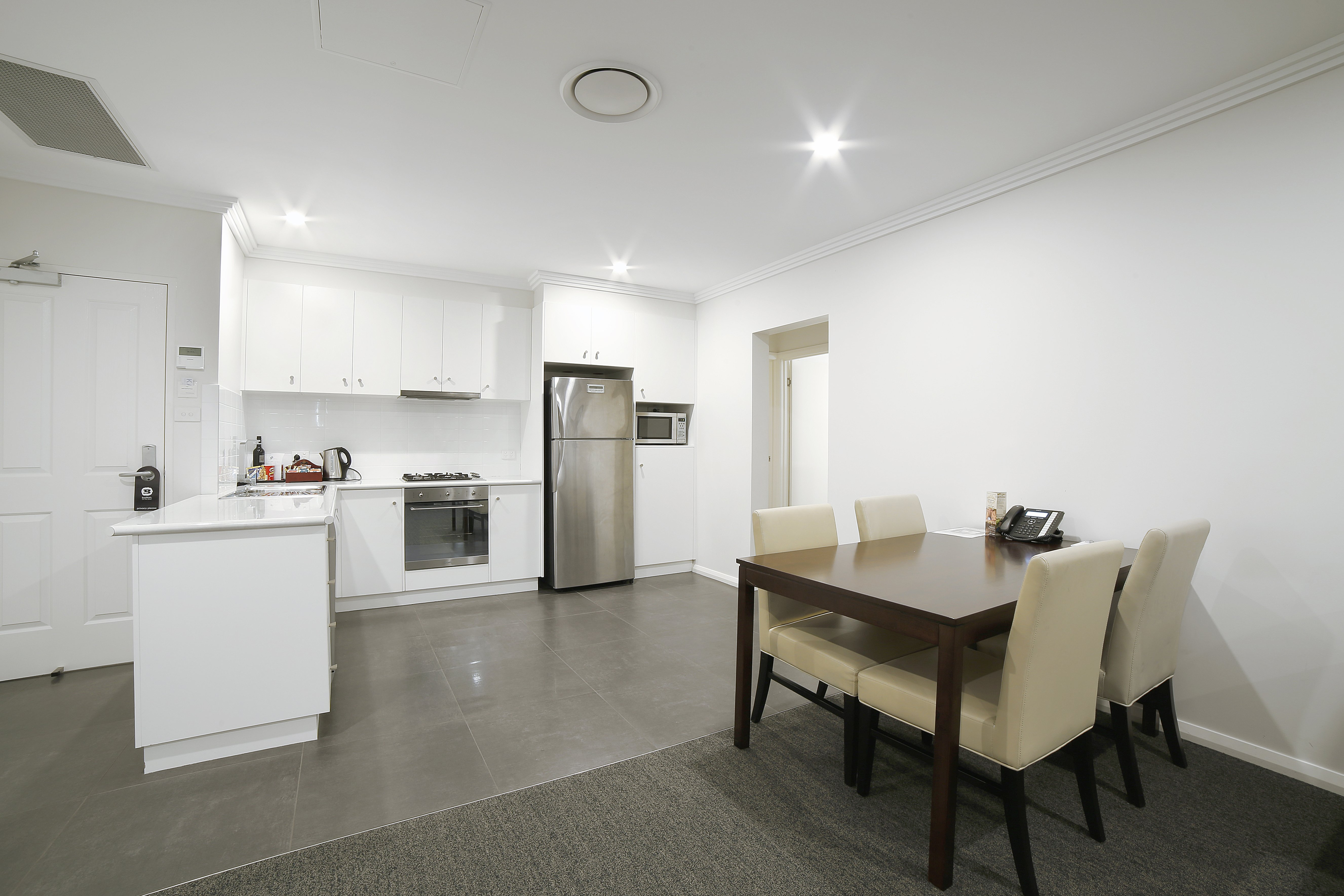 Local Accommodation, Wagga Wagga, NSW
