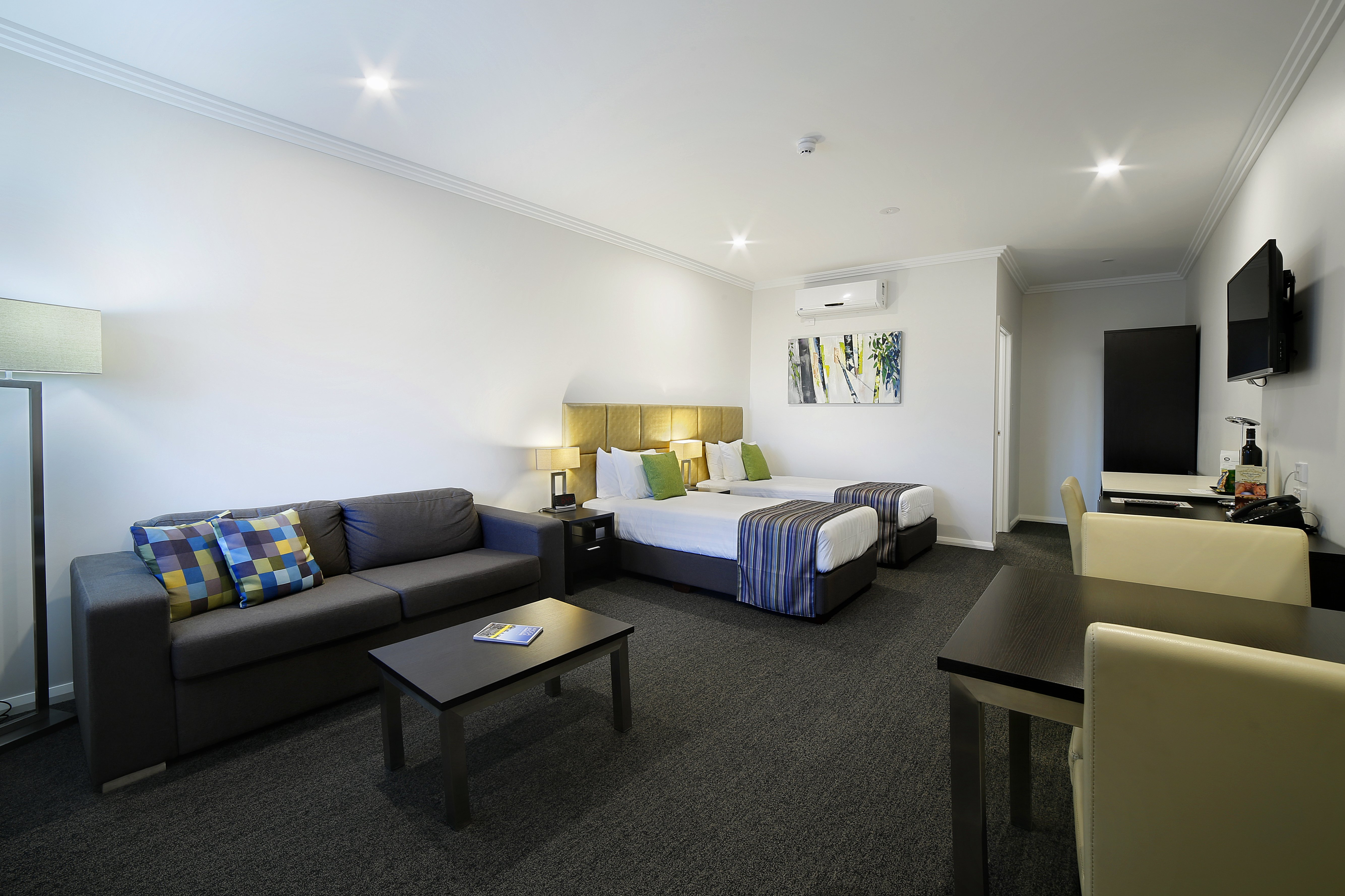 Affordable Hotel Accommodation, Bolton on the Park