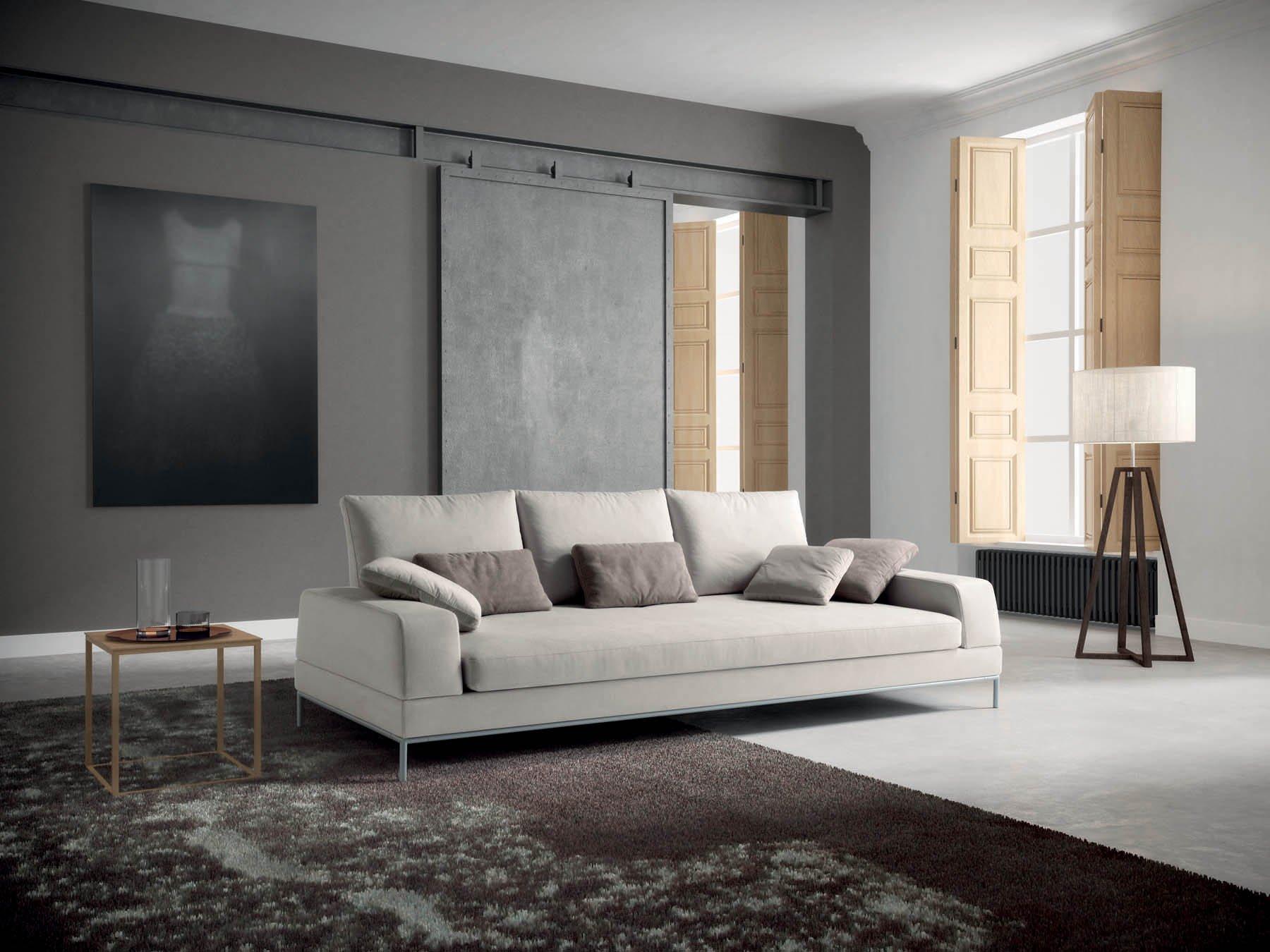 divano a tre piazze