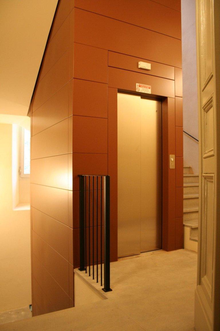 struttura metallica per ascensore interno