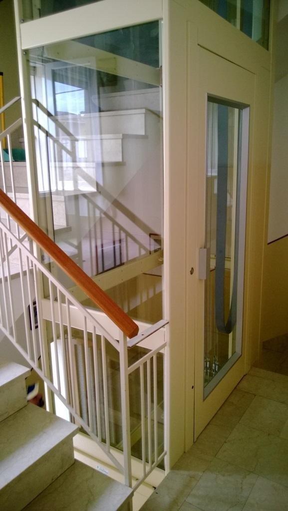ascensore trasparente interno