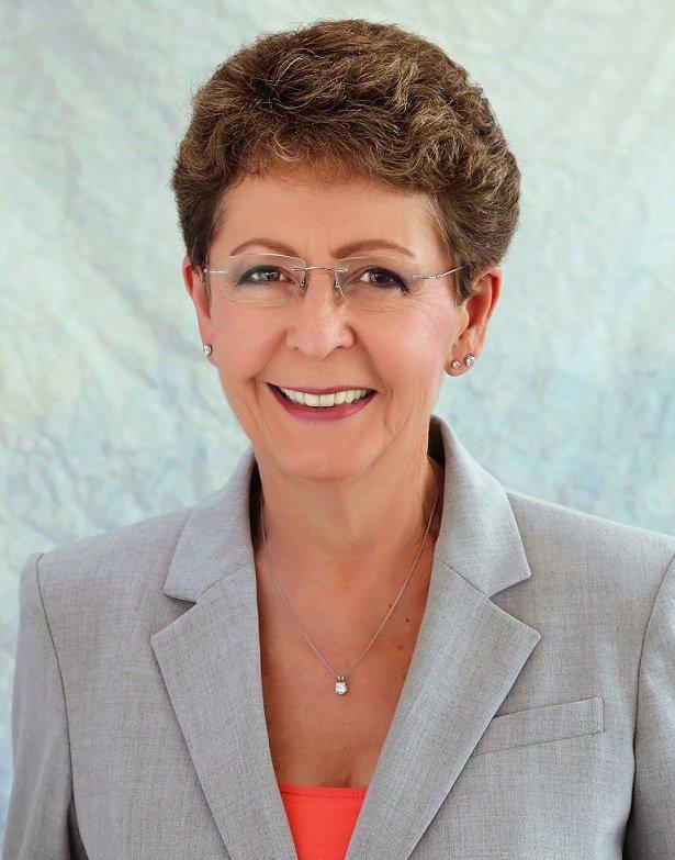 Dentist Dr. Ana Kromhout