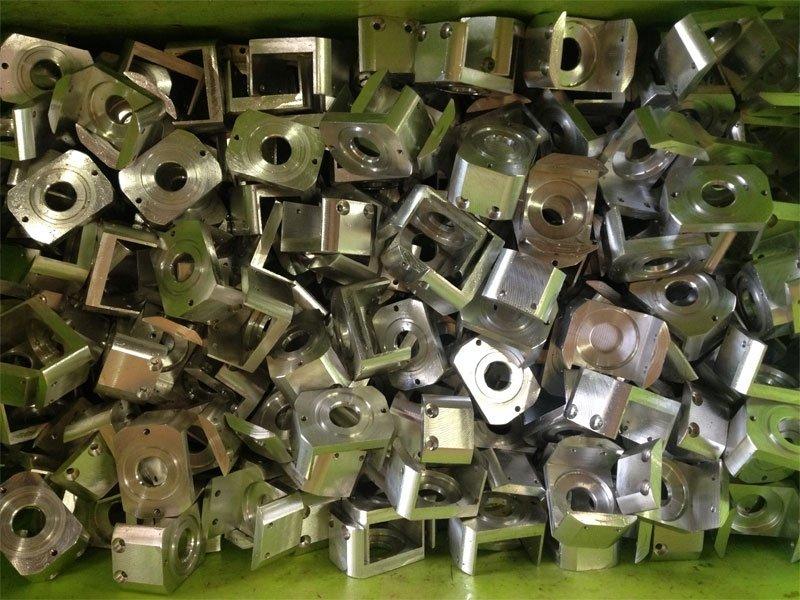 metalli tagliati