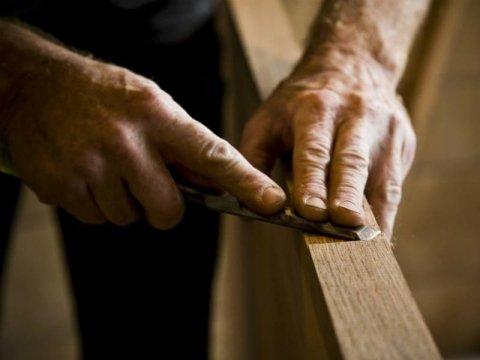 produzione artigianale mobili in legno su misura