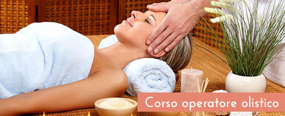 donna sdraiata durante un massaggio