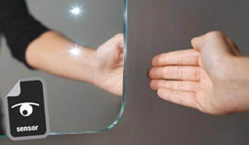 specchi con sensore infrarossi