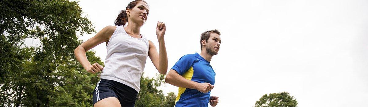 brownline chiropractic couple jogging