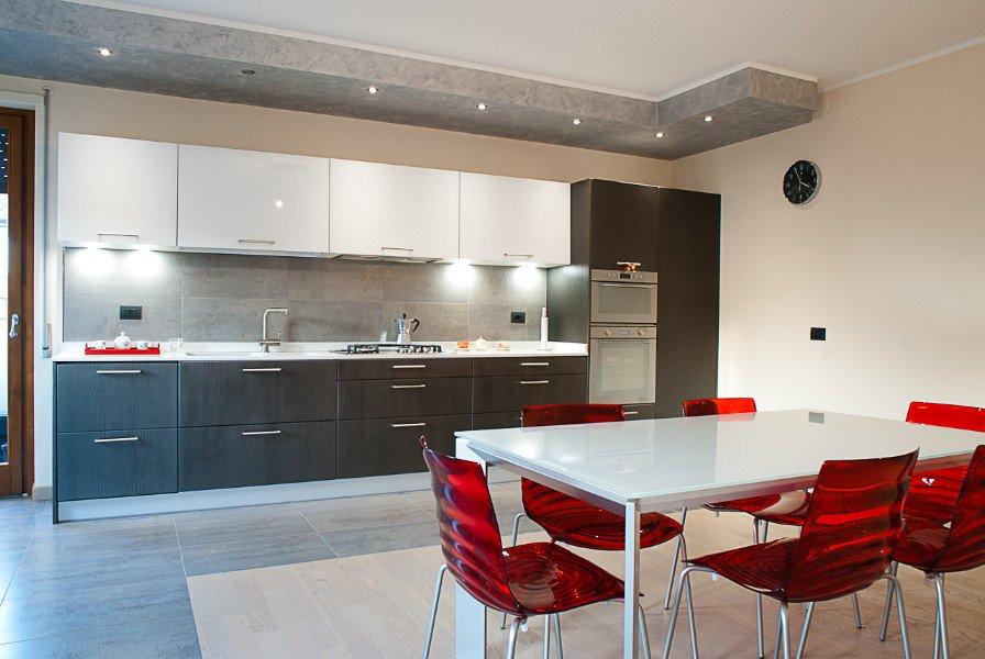 Cucine Bianco Grigio : Cucine personalizzate moderne particolari bovolone vr stile cucina