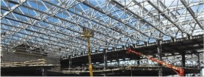 Mast-climbing scaffolding hire