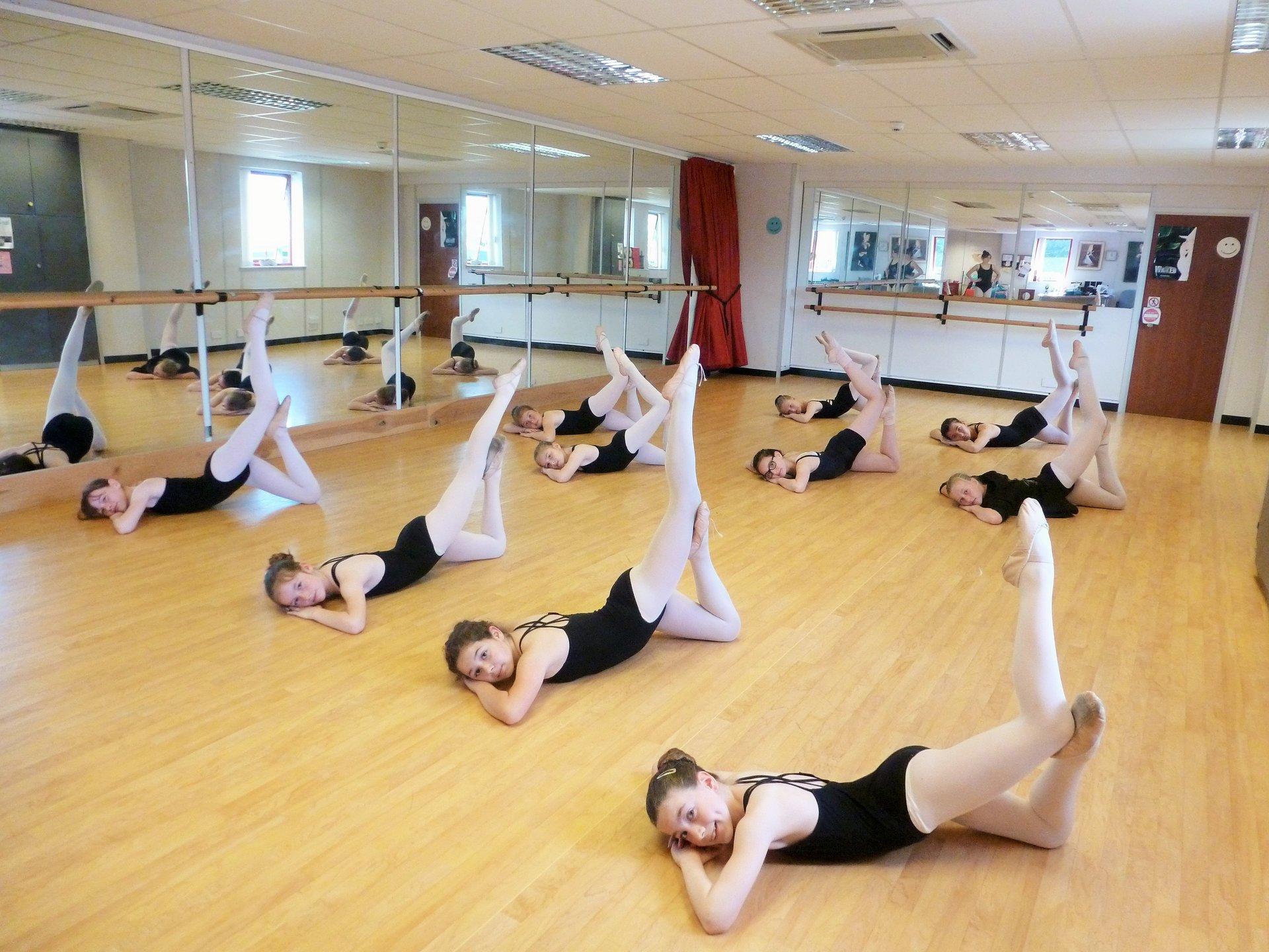 dancers practicing