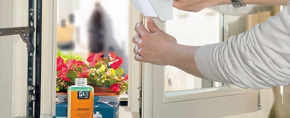 pulizia serramenti in PVC