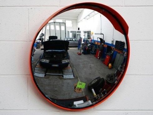 Il nostro centro assistenza Burago Motori effettua riparazioni e manutenzioni su automobili di tutte le marche.