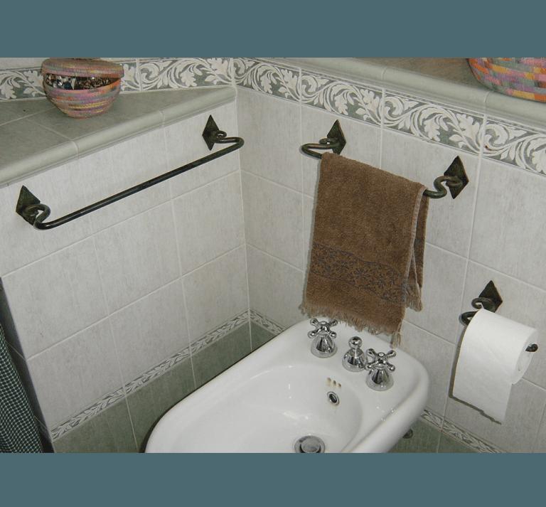 arredo bagno in ferro battuto