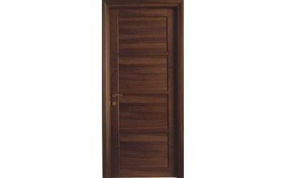 Particolare porta in legno Metalinfissi