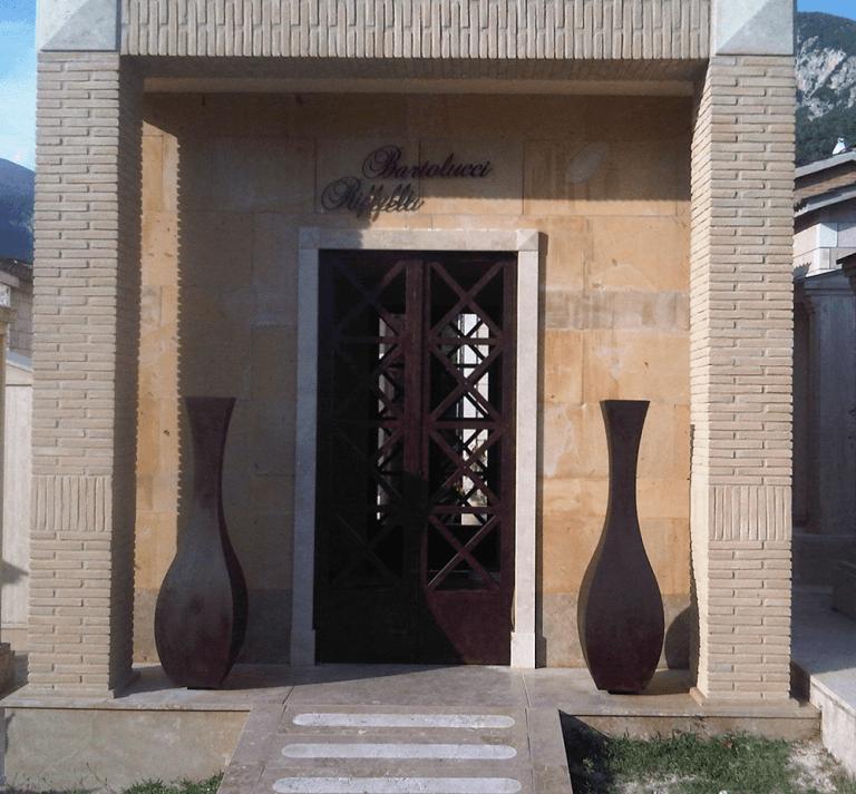 vasi in ferro battuto