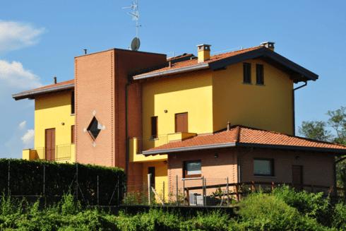 Edificio in Rovello Porro (CO)