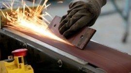 Smussando il pezzo di ferro