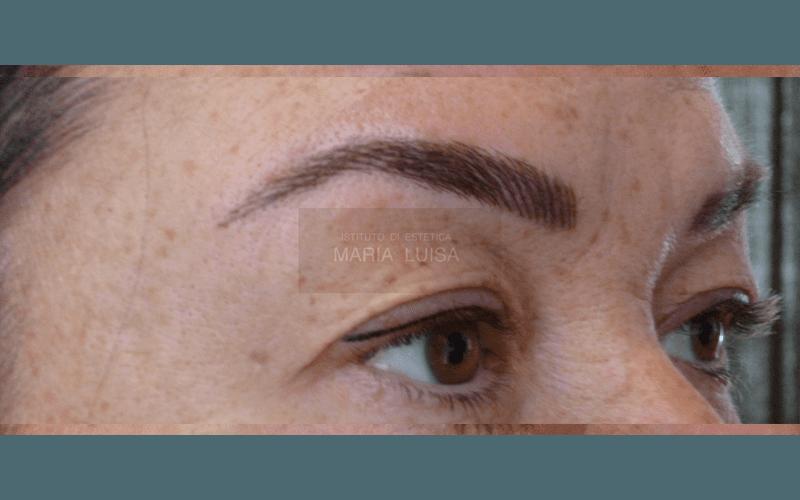 Ricostruzione sopracciglia con tecnica a peletto ed infoltimento occhi