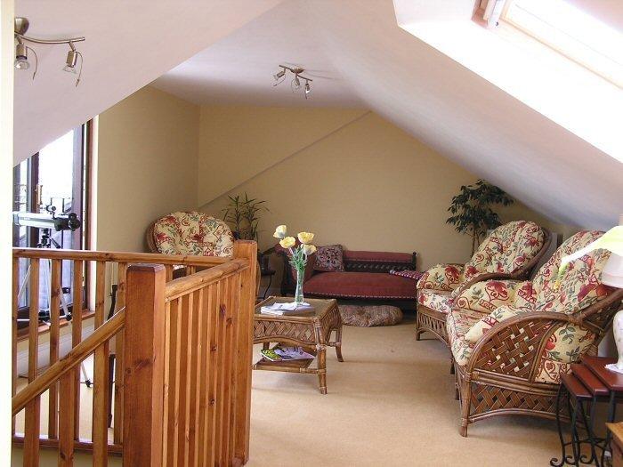 Extra sitting room in loft