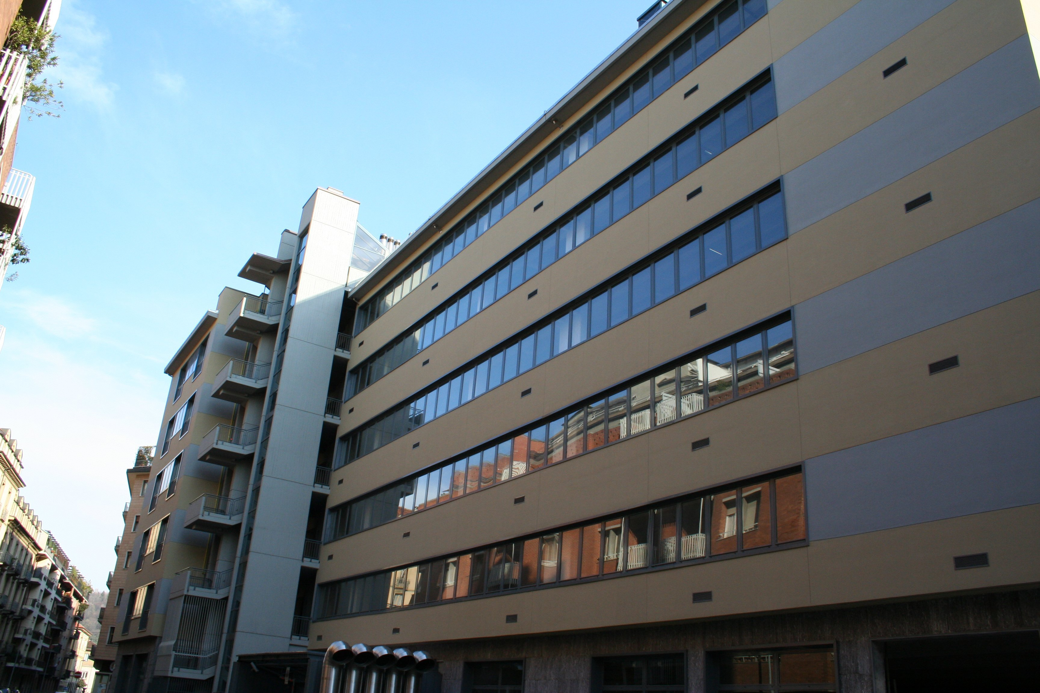 Facciata edificio moderno