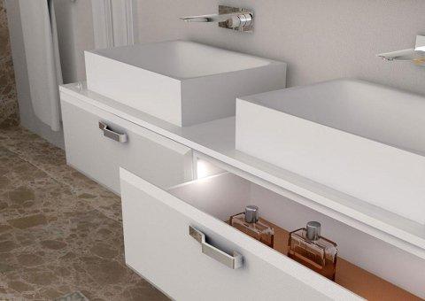 lavandini con cassetti aperti