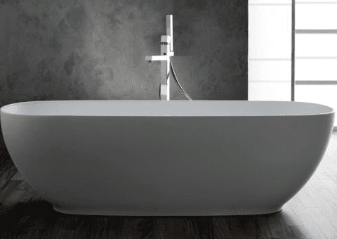 vista laterale di una vasca da bagno