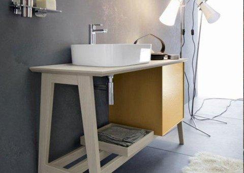 vista laterale mensola in legno per lavabo