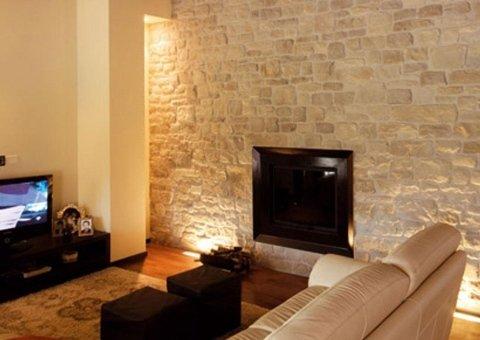 arredamento in pietra per un salotto
