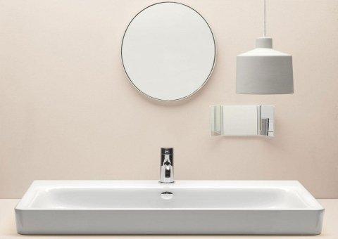 bagno con specchio tondo