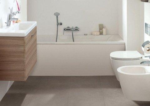 vista frontale vasca da bagno