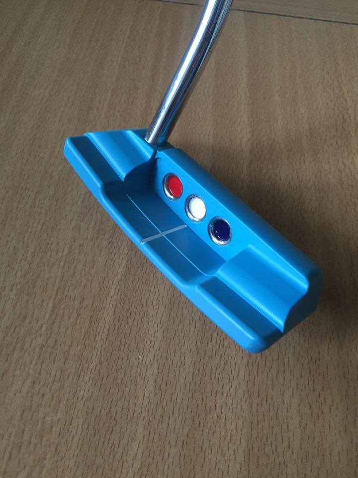 blue golf club