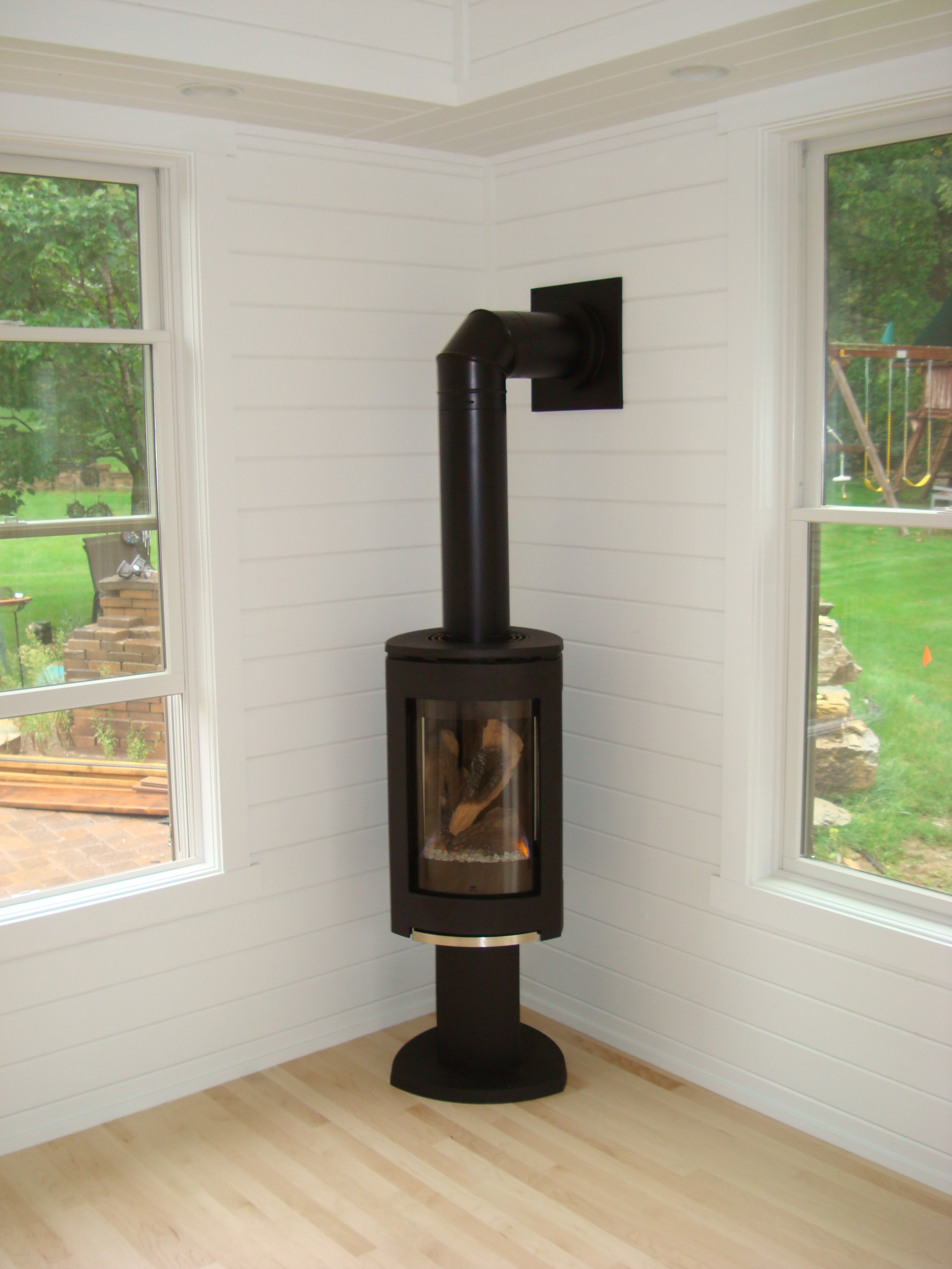 Jotul 370 Gas Stove, contemporary gas stove