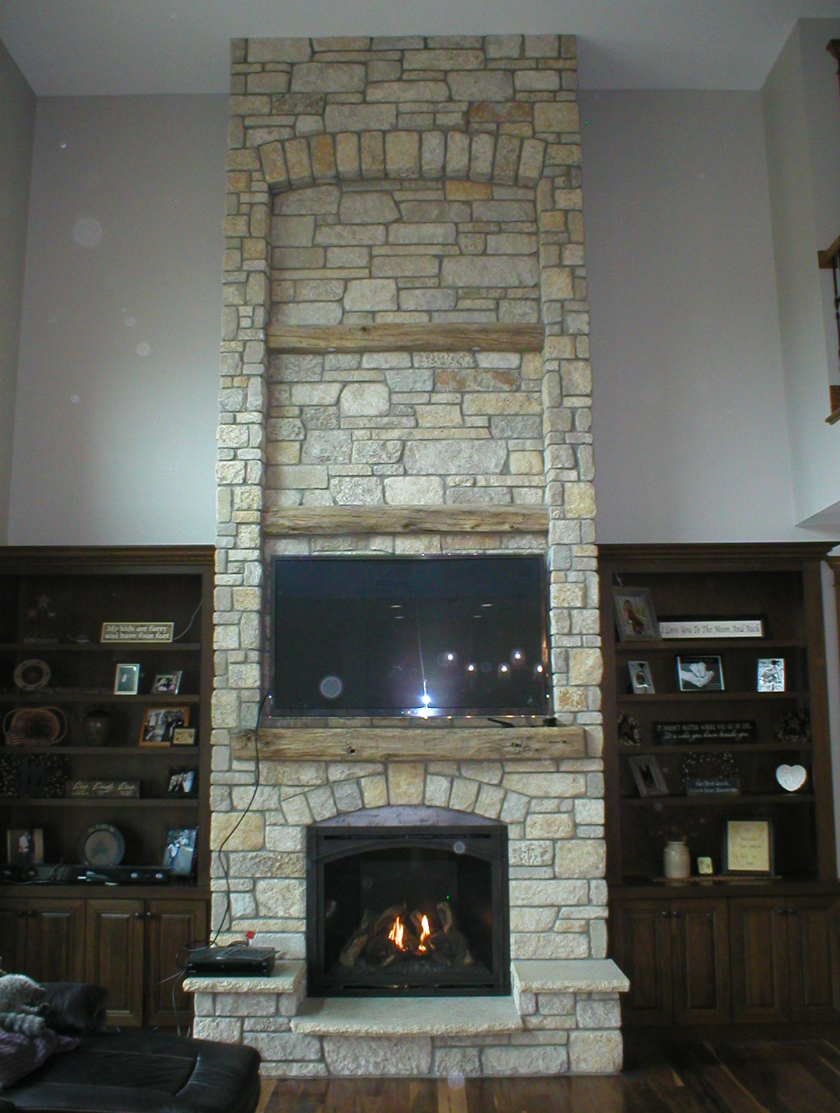 Traditional Gas Fireplace - Kozy Heat