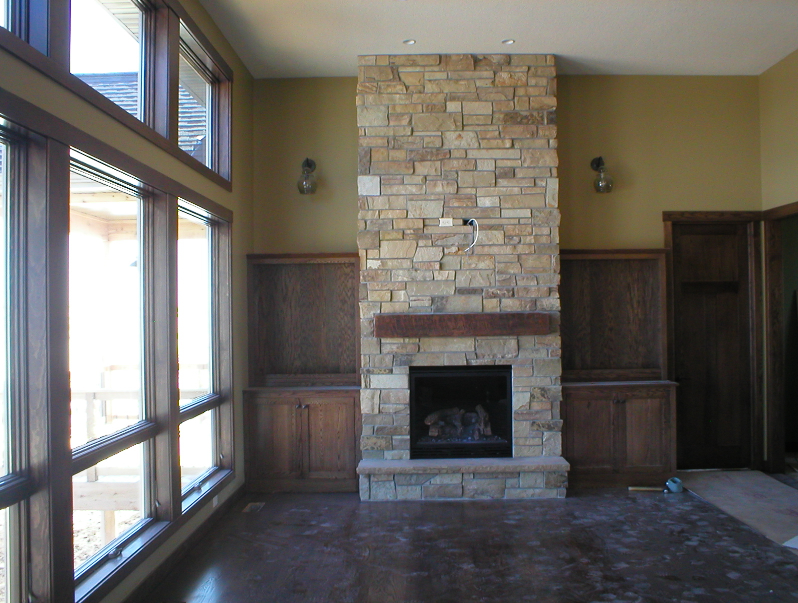 Traditional Gas Fireplace - Kozy Heat