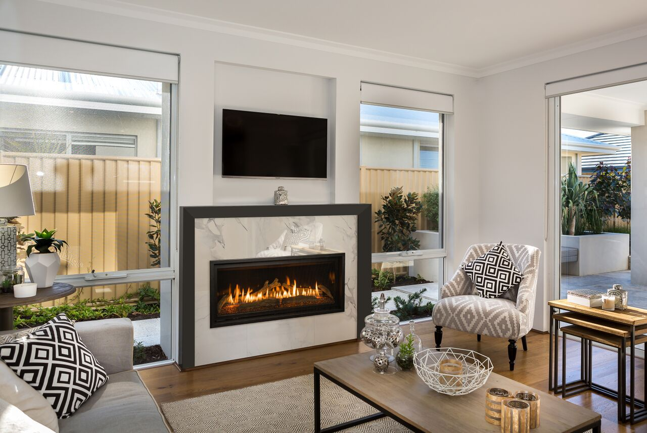 Traditional Gas Fireplace - Kozy Slayton 42