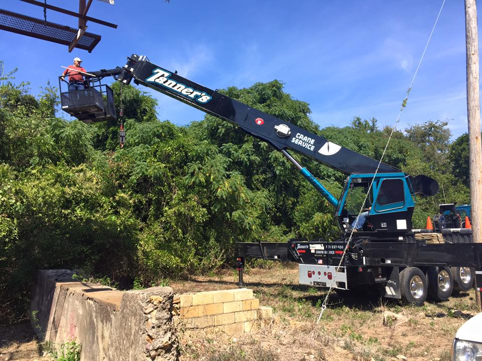 Crane service in Malvern, Arkadelphia and Hot Springs, AR