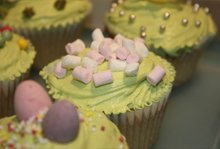 Children's party food - Hampstead Heath, London - The Highgate Pantry - light green cakes