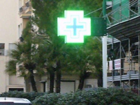 insegna luminosa farmacia