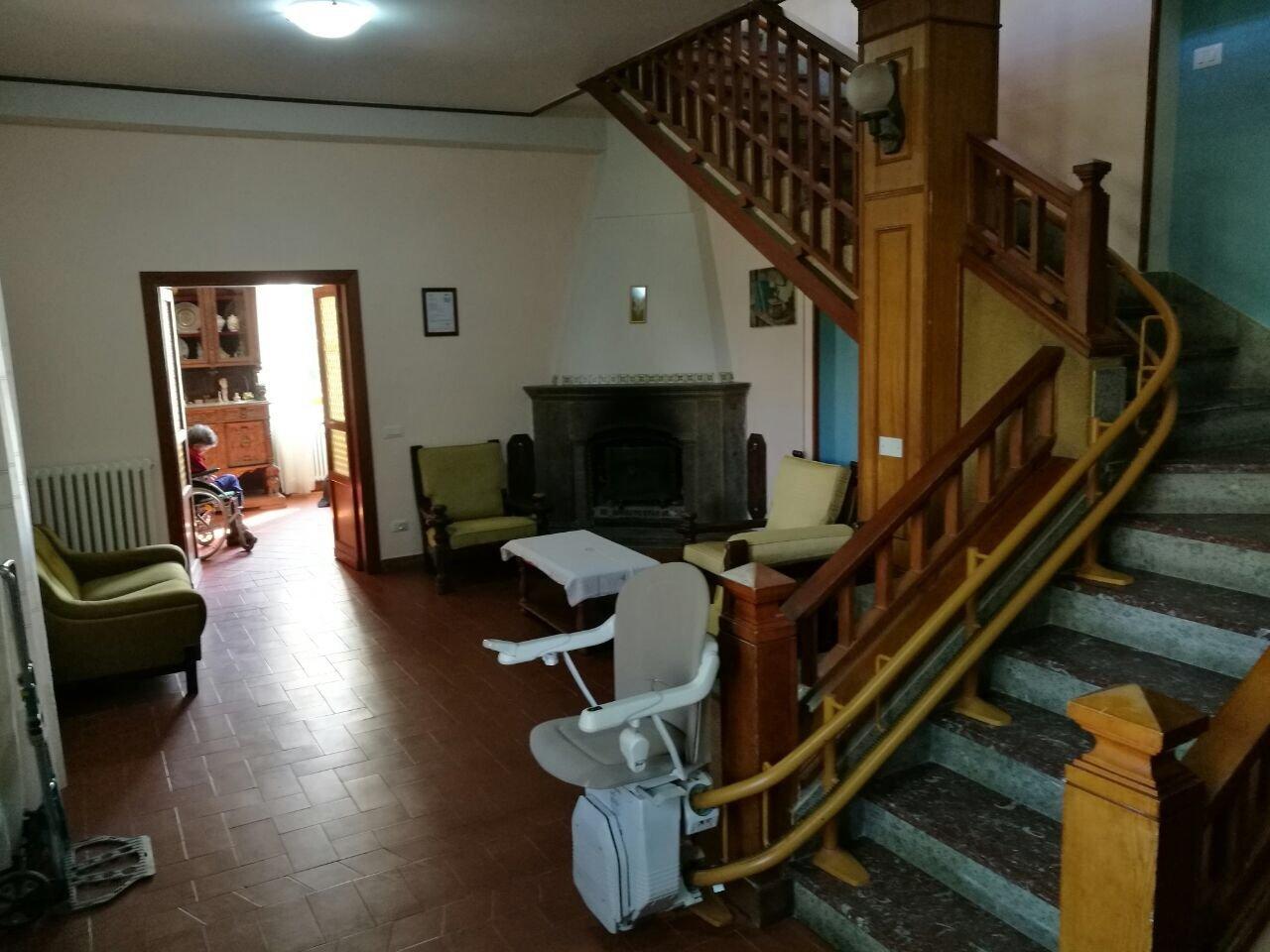 interno salotto villa annamaria
