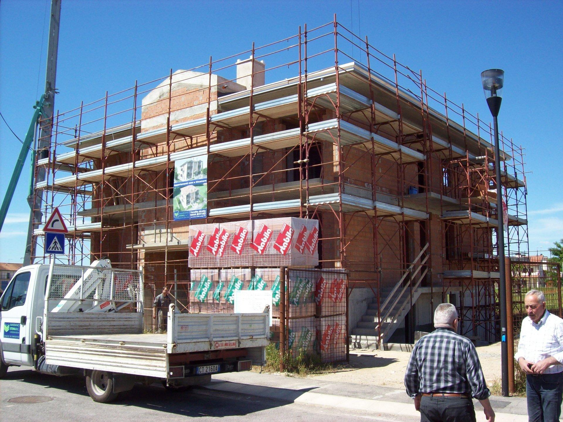 Ditta di costruzioni lonigo vi etenli mariano co for Imprese edili e costruzioni londra