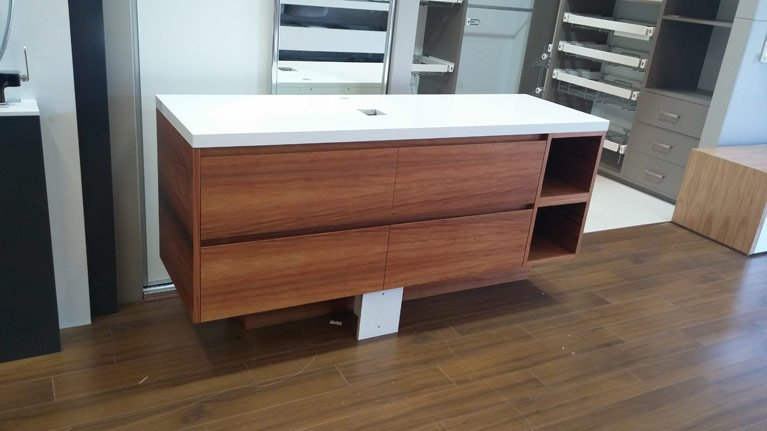 600mm Timber Vanity With Solid Top