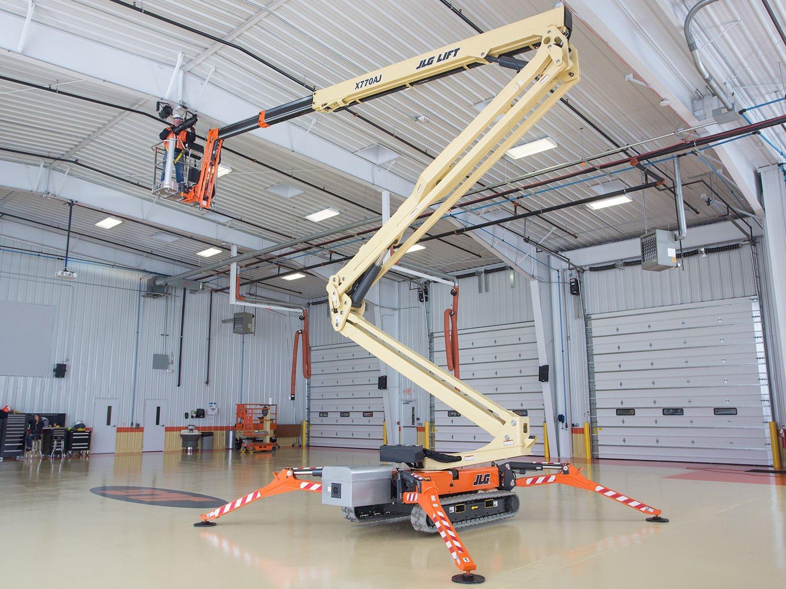 JLG Crawler Boom Lift X770AJ