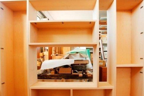 struttura d'armadio in legno per camera