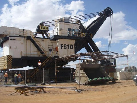 Heavy engineering machine